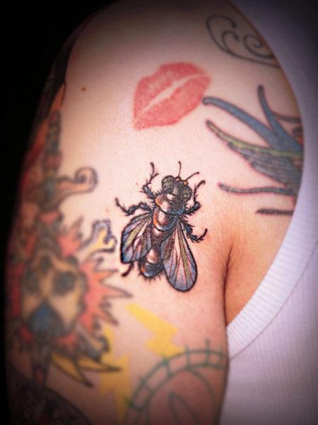 ハエ タトゥー fly tattoo