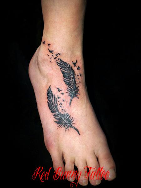 羽根と鳥 タトゥーデザイン feather bird tattoo 足の甲