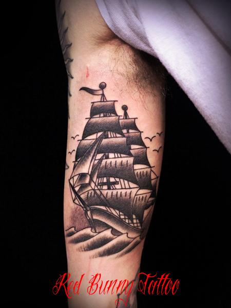 船のタトゥーデザイン アメリカントラディショナル ship tattoo american traditional