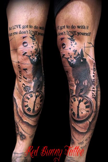 懐中時計とネズミと地図のタトゥーデザイン