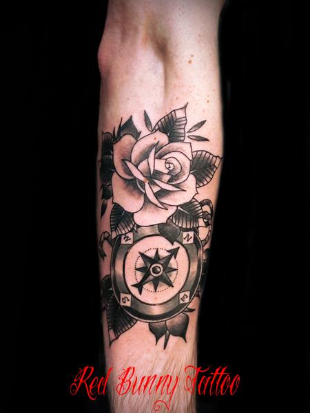 バラとコンパスのタトゥーデザイン・画像 rose compass