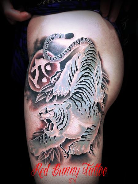 白虎の刺青、タトゥーデザイン・画像 (白筋のタトゥー)