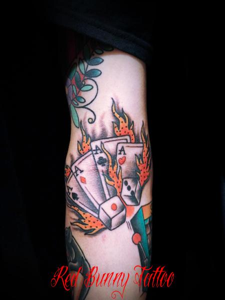 サイコロ トランプ ギャンブル タトゥーデザイン アメリカントラディショナル