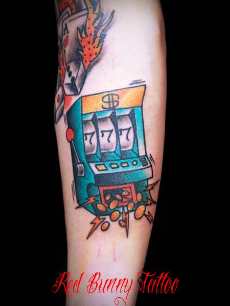 スロット ギャンブル タトゥーデザイン アメリカントラディショナル