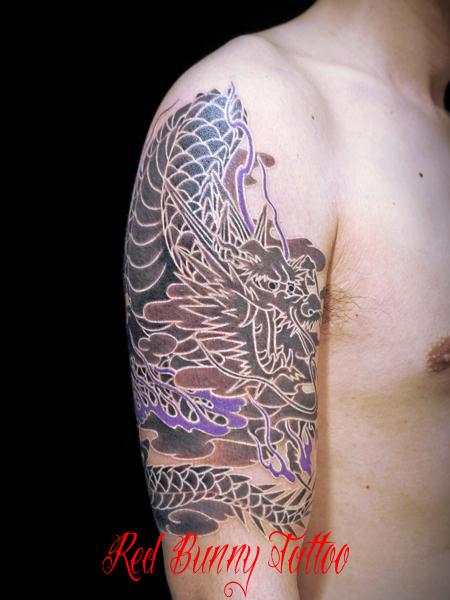 白筋の龍の刺青・タトゥーデザイン