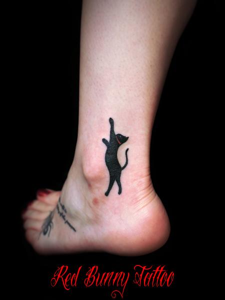猫のワンポイントタトゥー タトゥーデザイン small cat tattoo