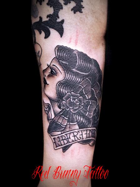 女性の顔 アメリカントラディショナル タトゥー デザイン