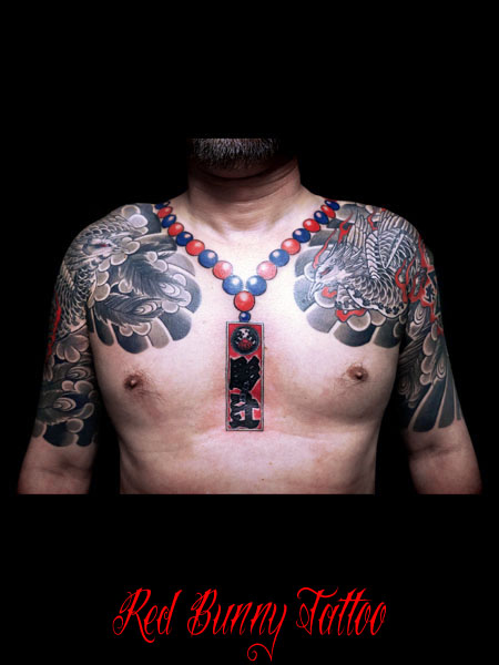 鳳凰と数珠の刺青、和彫り、タトゥーデザイン 彫辻 数珠