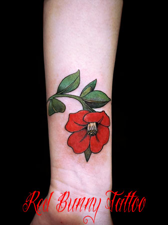 椿のタトゥーデザイン 花・女性のタトゥー