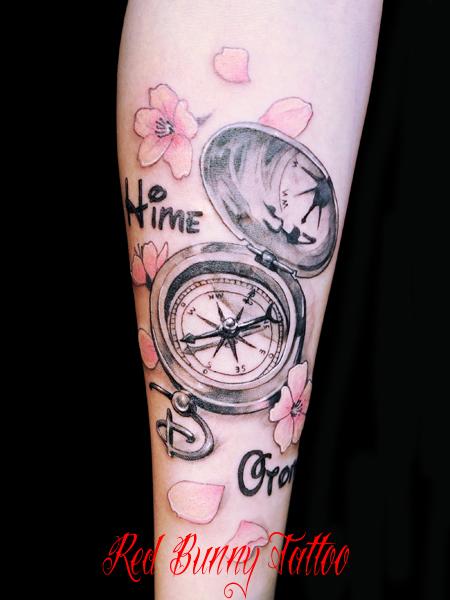 コンパスと桜のタトゥーデザイン compass cherryblossom tattoo