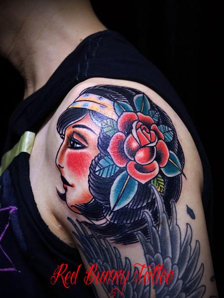 女性の横顔のタトゥーデザイン アメリカントラディショナルタトゥー american traditional woman tattool