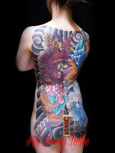 蛇と牡丹の刺青・タトゥーデザイン 甲羅彫り 女性の刺青・和彫り japanese-tattoo-woman-tattoo-irezumi-2