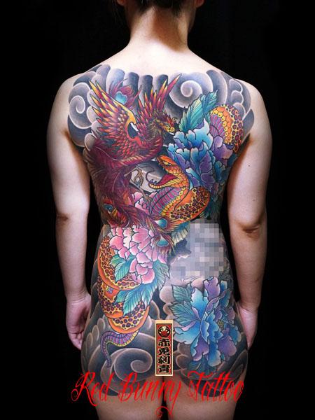 蛇と牡丹の刺青・タトゥーデザイン 甲羅彫り 女性の刺青・和彫り