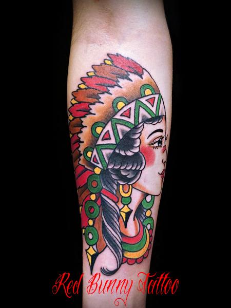 インディアンガールのタトゥーデザイン アメリカントラディショナル
