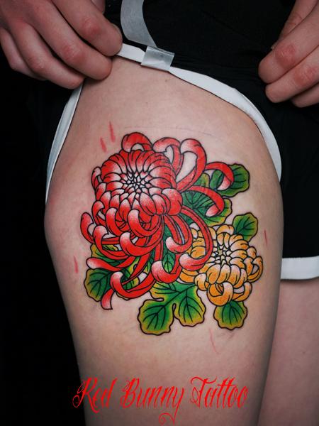 菊のタトゥーデザイン 花 女性 刺青 tattoo