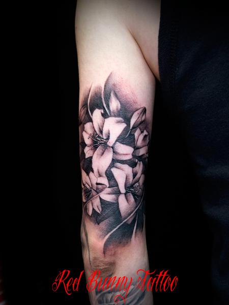ユリ・百合の刺青・タトゥーデザイン 花・植物 Lily tattoo flower
