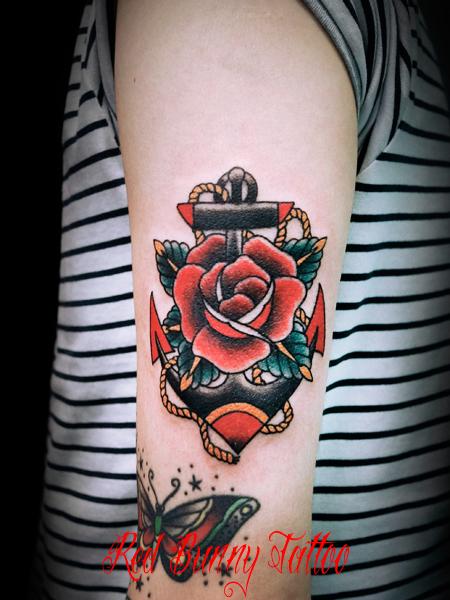 バラと錨のタトゥーデザイン rose anchor tattoo アメリカントラディショナル