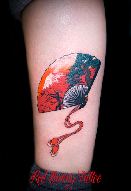 扇子・赤富士のタトゥーデザイン 縁起物