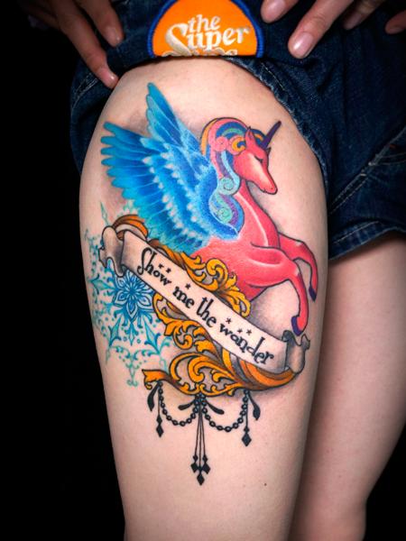 ペガサスのタトゥーデザイン 女性のタトゥー