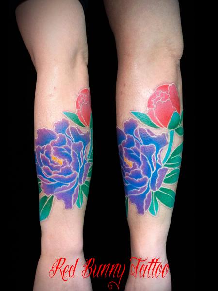 牡丹の刺青・タトゥーデザイン 白筋のタトゥーデザイン 女性 花 腕