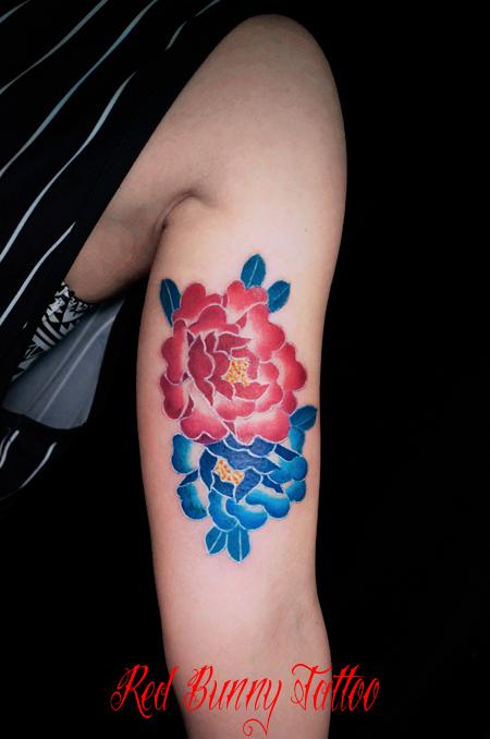 牡丹の刺青・タトゥーデザイン 花・植物・女性