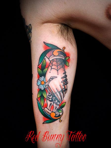シェイクハンズ アメリカントラディショナル タトゥーデザイン shake hands tattoo