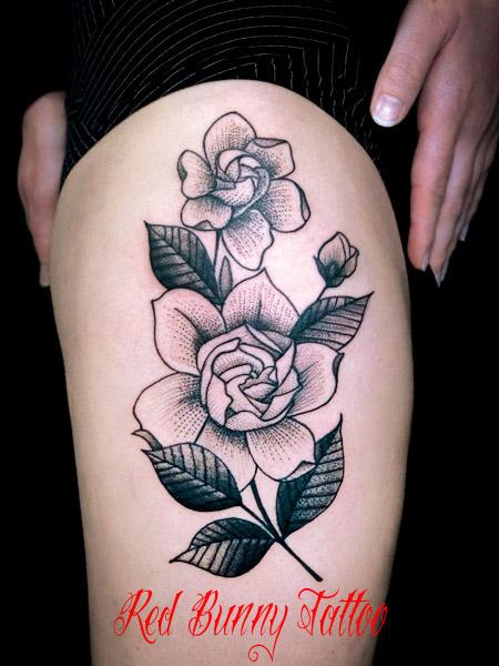 花 クラシック ドット タトゥーデザイン 女性 flower tattoo