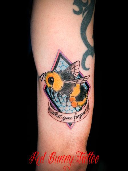 蜂 マルハナバチ タトゥーデザイン bee tattoo