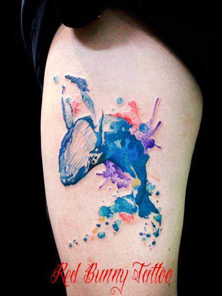 水彩画風のクジラのタトゥーデザイン ウォーターカラー whale tattoo water color