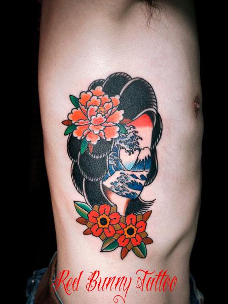 女性、富士山、北斎波 牡丹 タトゥーデザイン girl flower wave trad tattoo