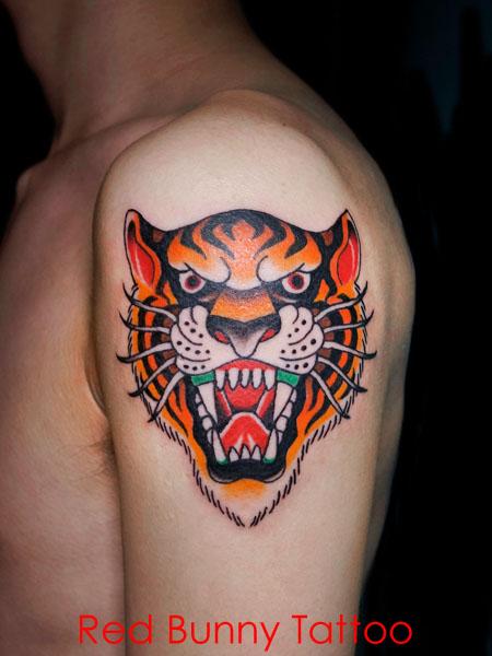 虎 タイガー アメリカントラディショナル タトゥーデザイン 肩