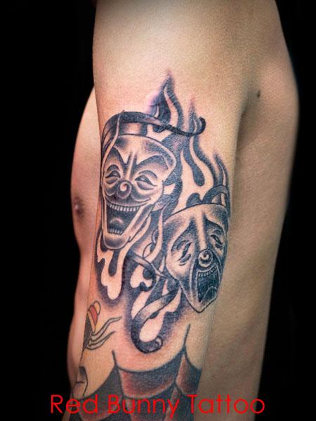 ツーフェイス タトゥーデザイン laugh now cry later tattoo