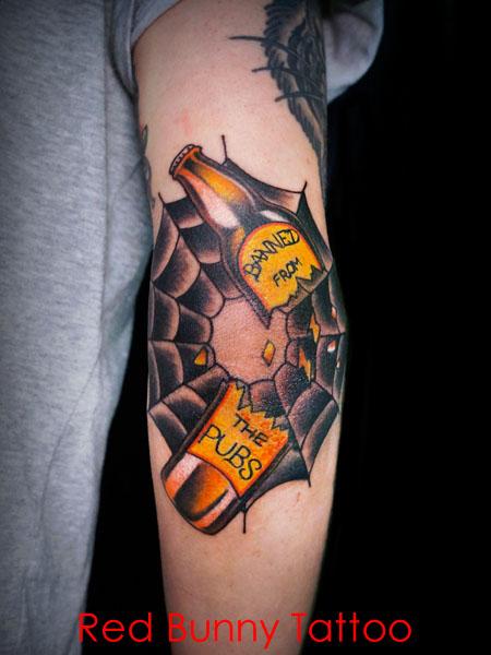 蜘蛛の巣とビール瓶のタトゥーデザイン 肘・スパイダーウェブ