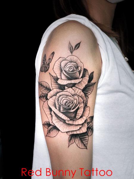 バラ 花 植物 ドット タトゥーデザイン 画像 腕 女性