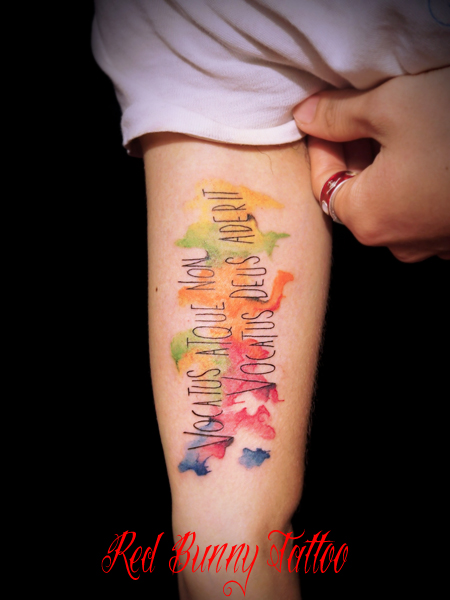 watercolor tattoo 文字のタトゥーデザイン