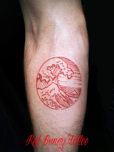 北斎・神奈川沖裏波のタトゥー hokusai wave tattoo