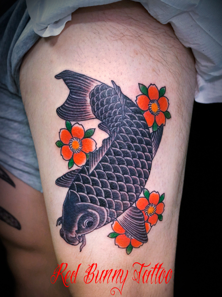 鯉と桜 刺青 タトゥーデザイン 腿 carp cherryblossom tattoo