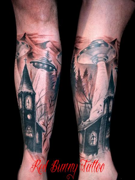 UFO 教会 ブラック&グレー タトゥーデザイン